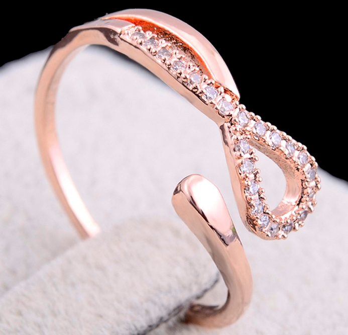 Infinity Shaped Knot Ring